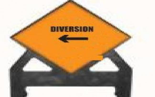 Temporary Plastic Road Signs Diversion Left Poly Sign 600 Tem30