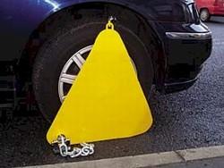 Wheel Clamp Triangular London Wheel Clamp Pitt2