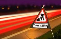 Roll Up Road Signs Road Works Ahead C/w Grass Cutting Supp 750mm Rol5