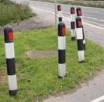 Traffic Calming / Speed Ramps Verge Post Ram10
